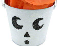 Glow-in-the-Dark Skull Bucket